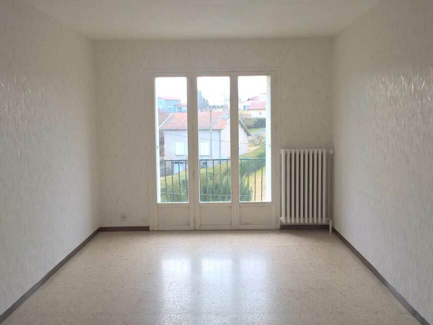 Location appartement 2 pi ces craponne sur arzon 43500 for Piscine de craponne