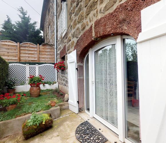 Vente Maison 101m² Bains (43370) - photo