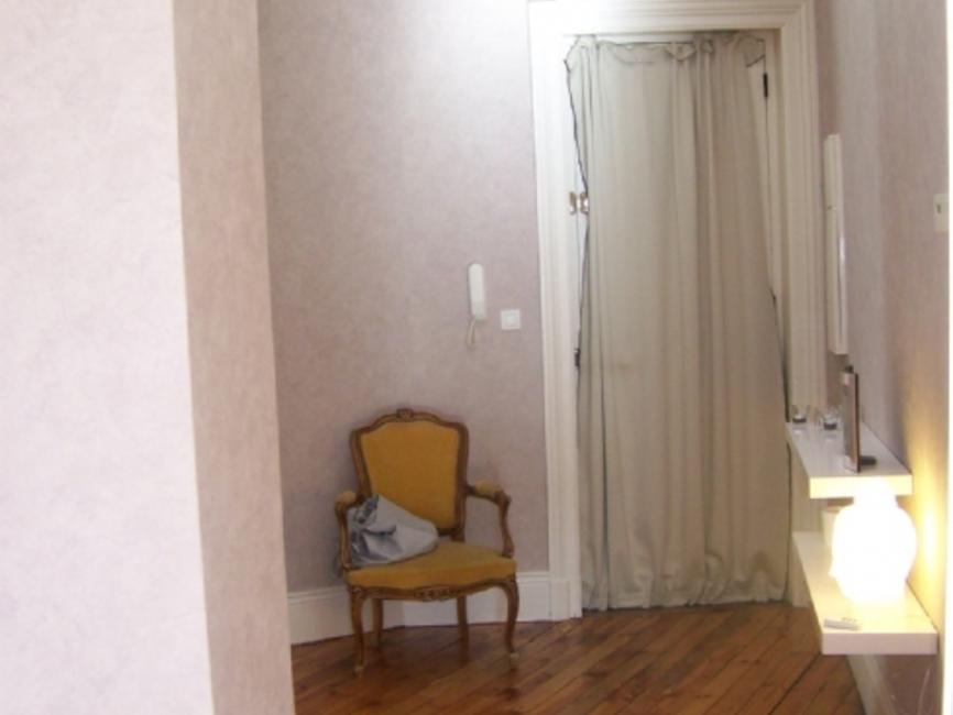 location appartement 4 pi ces saint tienne 42100 353447. Black Bedroom Furniture Sets. Home Design Ideas