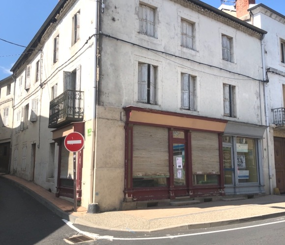 Vente Immeuble 275m² Plein centre de Retournac. - photo