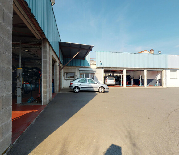 Vente Local industriel 1 666m² Le Chambon-Feugerolles (42500) - photo