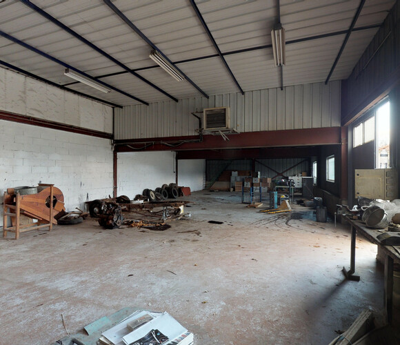 Vente Local industriel 3 pièces 433m² Saint-Didier-en-Velay (43140) - photo