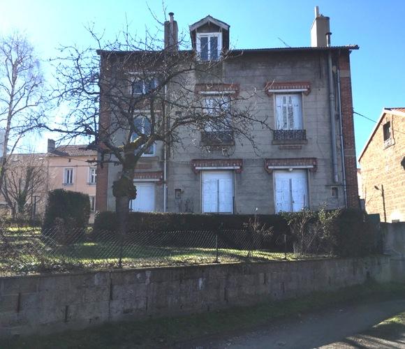 Vente Maison 8 pièces 210m² Le Chambon-Feugerolles (42500) - photo
