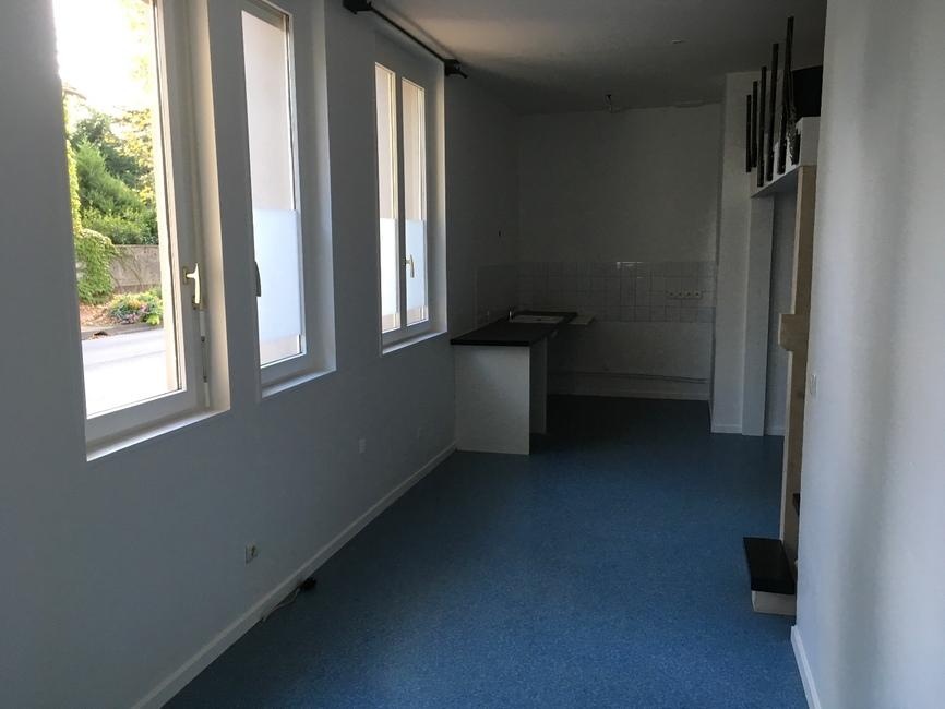 vente appartement 1 pi ce montrond les bains 42210 302418. Black Bedroom Furniture Sets. Home Design Ideas