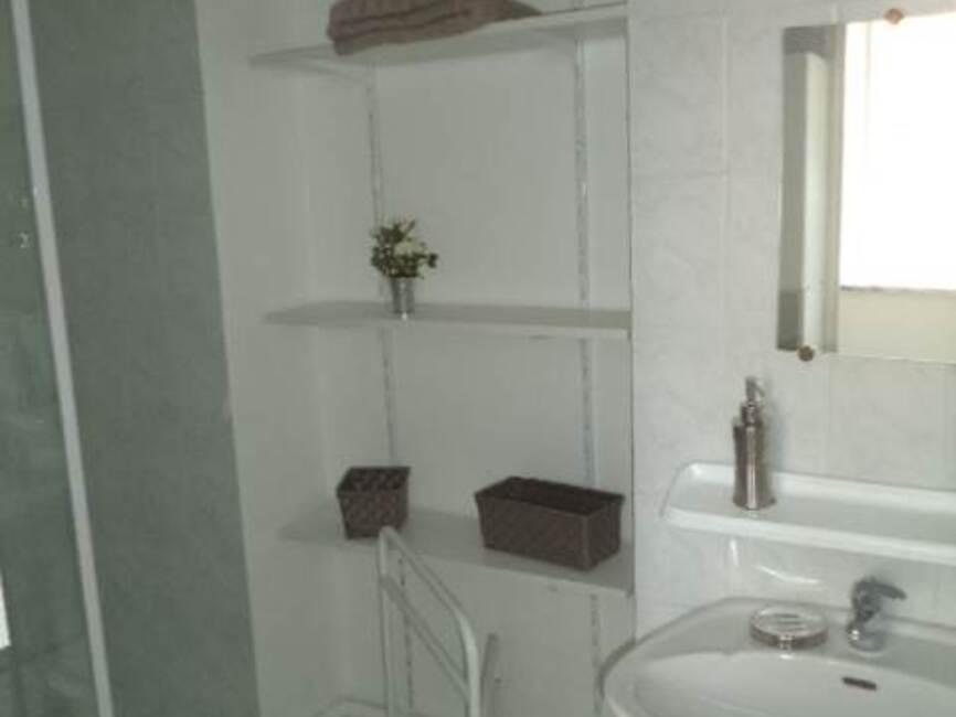 location appartement 2 pi ces saint tienne 42000 18369. Black Bedroom Furniture Sets. Home Design Ideas