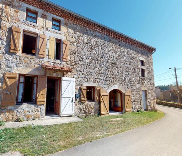 Vente Maison 7 pièces 150m² Saint-Hilaire-Cusson-la-Valmitte (42380) - photo