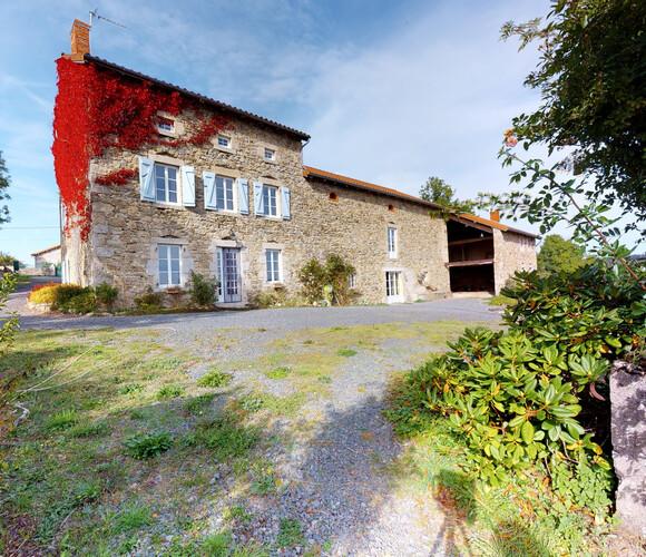 Vente Maison 8 pièces 200m² Chomelix (43500) - photo