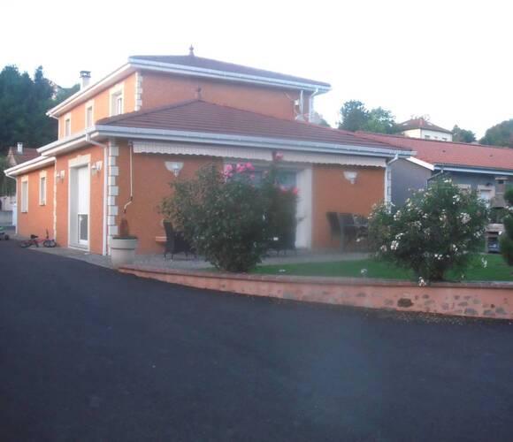 Vente Maison 10 pièces 250m² Ambert (63600) - photo