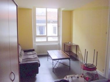 Location Appartement 2 pièces 36m² Saint-Didier-en-Velay (43140) - photo