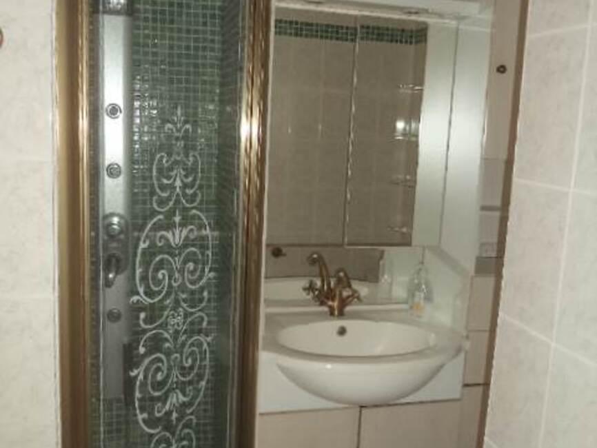 location appartement 6 pi ces saint tienne 42100 18267. Black Bedroom Furniture Sets. Home Design Ideas