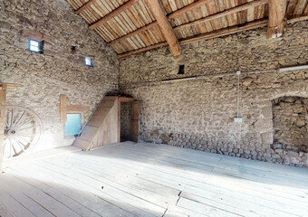 Vente Garage 90m² Saint-Romain-Lachalm (43620) - photo
