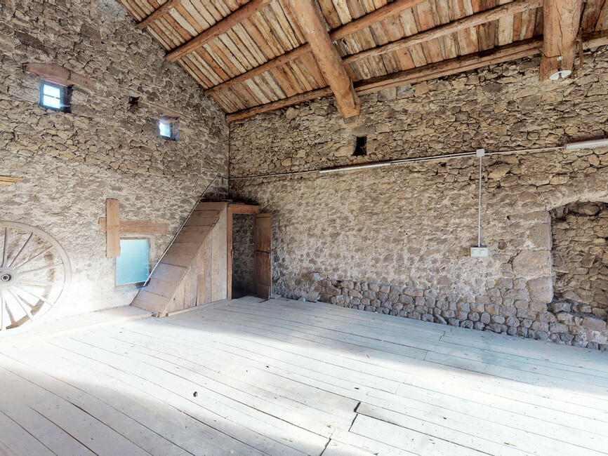 Vente Garage 90m² Saint-Romain-Lachalm (43620) - photo