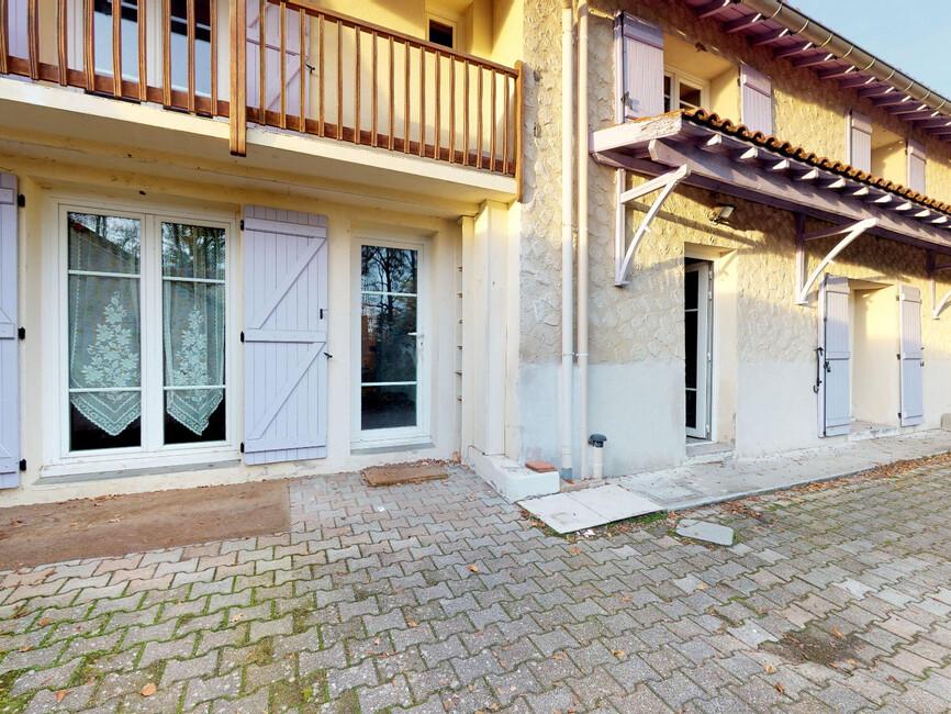 vente maison 7 pi ces montrond les bains 42210 428512. Black Bedroom Furniture Sets. Home Design Ideas