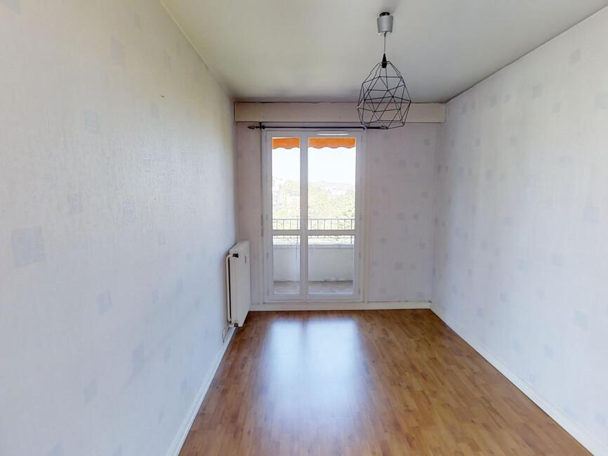 Location appartement 4 pi ces saint tienne 42100 348082 for Location appartement atypique saint etienne