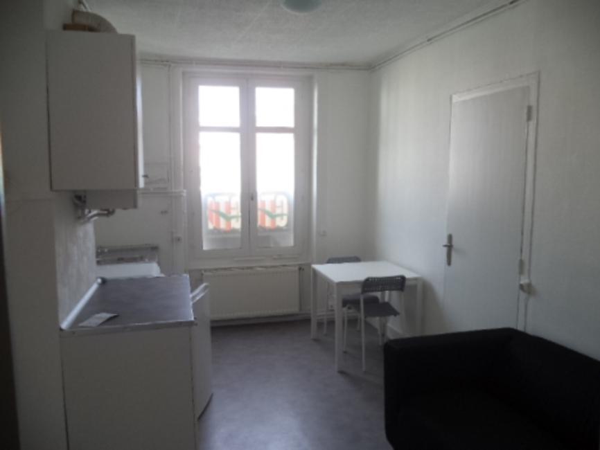 location appartement 3 pi ces saint tienne 42000 33225. Black Bedroom Furniture Sets. Home Design Ideas