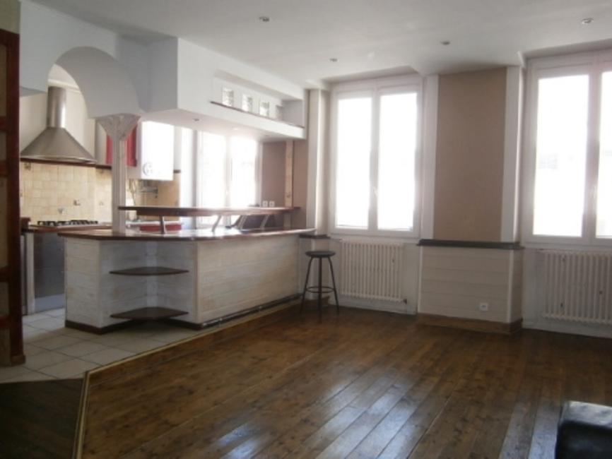 location appartement 5 pi ces saint tienne 42000 18395. Black Bedroom Furniture Sets. Home Design Ideas