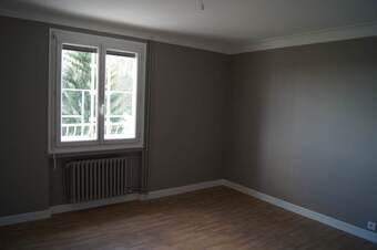 Location Appartement 4 pièces 82m² Saint-Bonnet-le-Château (42380) - photo