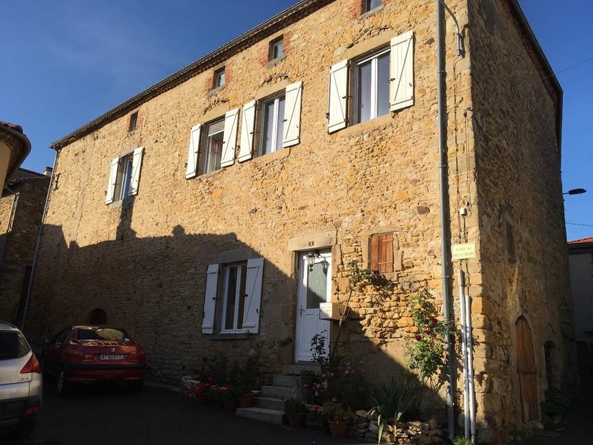 Vente maison 8 pi ces issoire 63500 303669 for Vente maison issoire