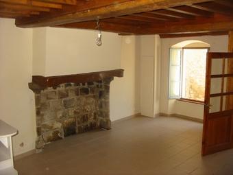 Location Maison 4 pièces 118m² Olliergues (63880) - photo