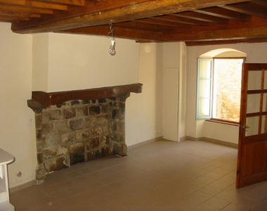 Location Maison 4 pièces 118m² Olliergues (63880) - photo