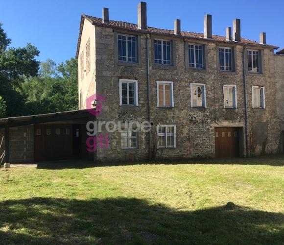 Vente Maison 4 pièces 450m² Ambert (63600) - photo