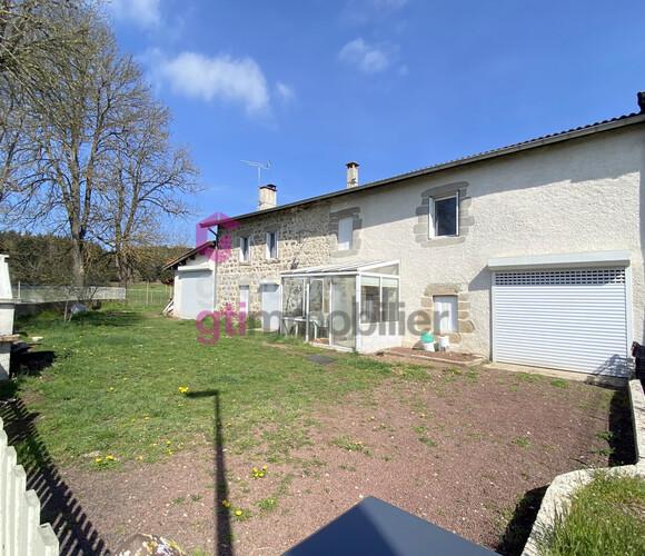 Vente Maison 5 pièces 158m² Craponne-sur-Arzon (43500) - photo