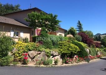 Vente Maison 7 pièces 144m² Yssingeaux (43200) - Photo 1