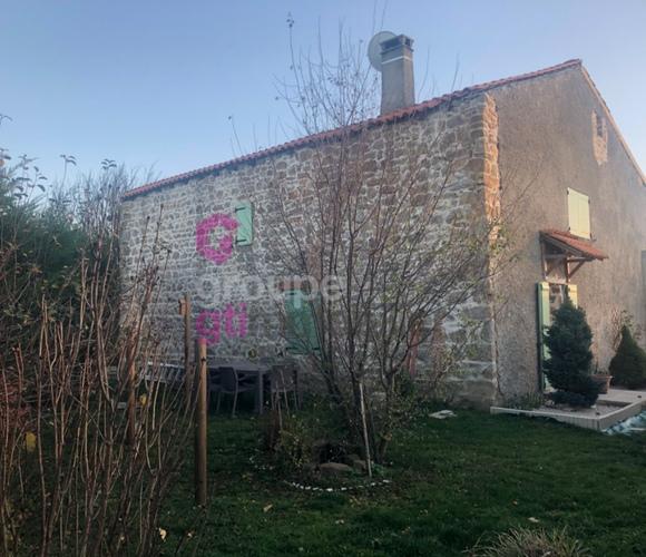 Vente Maison 5 pièces 100m² Saint-Hilaire-Cusson-la-Valmitte (42380) - photo