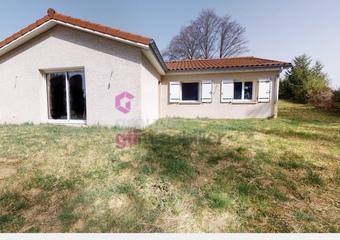 Vente Maison 4 pièces 115m² Usson-en-Forez (42550) - Photo 1