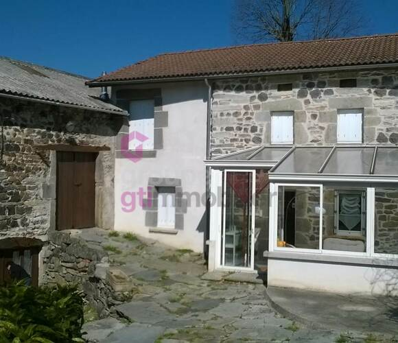 Vente Maison 4 pièces 90m² Saint-Julien-du-Pinet (43200) - photo
