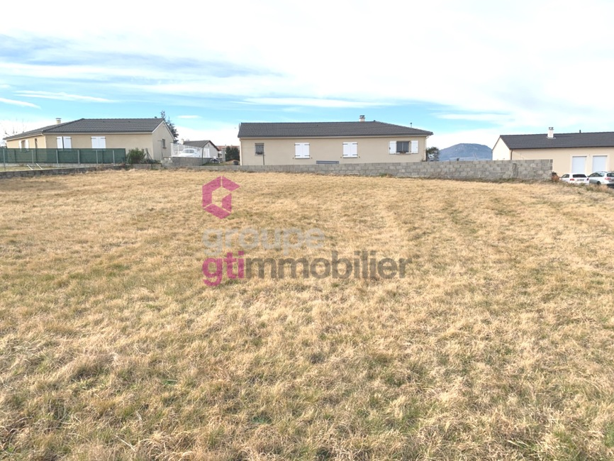 Vente Terrain 1 015m² Yssingeaux (43200) - photo