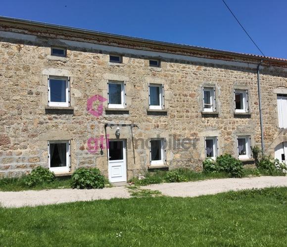 Vente Maison 5 pièces 140m² Usson-en-Forez (42550) - photo