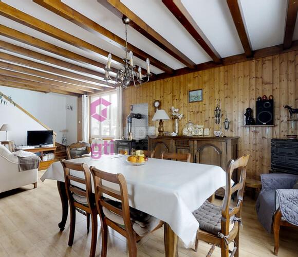Vente Maison 8 pièces 100m² Mazet-Saint-Voy (43520) - photo