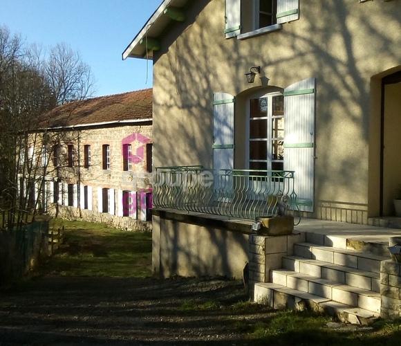 Vente Maison 16 pièces 340m² Dunières (43220) - photo