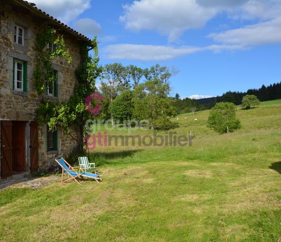 Vente Maison 4 pièces 104m² Saint-Amant-Roche-Savine (63890) - photo