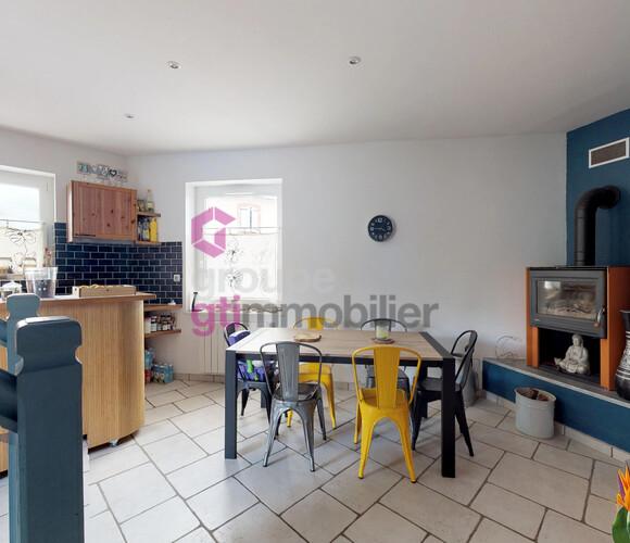 Vente Maison 4 pièces 96m² Chalain-le-Comtal (42600) - photo