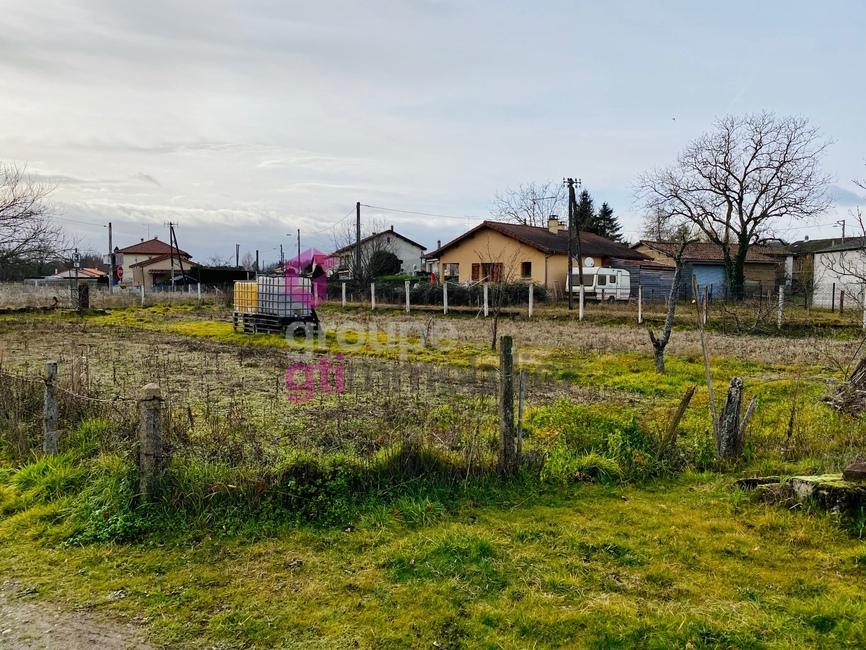 Vente Terrain 580m² Néronde-sur-Dore (63120) - photo