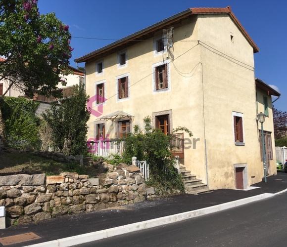 Vente Maison 7 pièces 140m² Chenereilles (42560) - photo