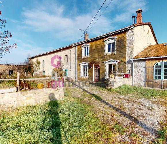 Vente Maison 10 pièces 191m² Saint-Pierre-du-Champ (43810) - photo
