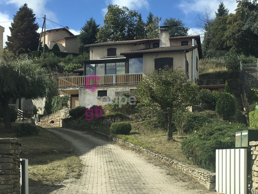 Vente Maison 5 pièces 135m² Saint-Bonnet-le-Château (42380) - photo