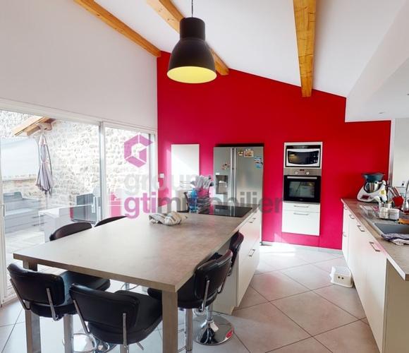 Vente Maison 6 pièces 165m² Saint-Didier-en-Velay (43140) - photo