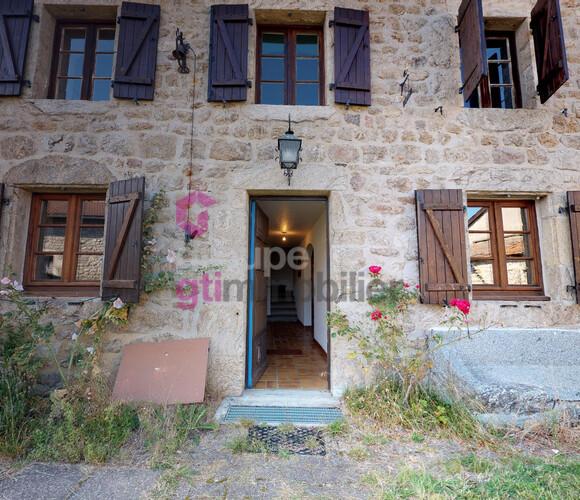 Vente Maison 5 pièces 150m² Viverols (63840) - photo