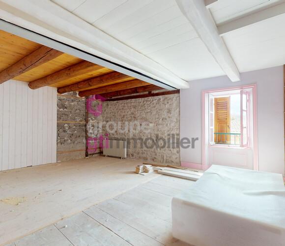 Vente Maison 250m² Saint-Bonnet-le-Chastel (63630) - photo