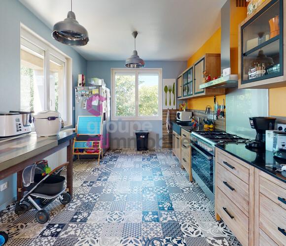 Vente Maison 6 pièces 160m² Sury-le-Comtal (42450) - photo