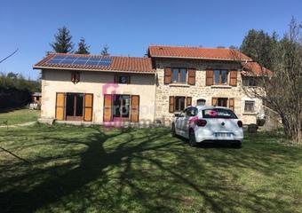 Vente Maison 5 pièces 160m² Usson-en-Forez (42550) - Photo 1