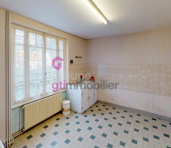 Vente Maison 8 pièces 145m² Vitrac (63410) - photo