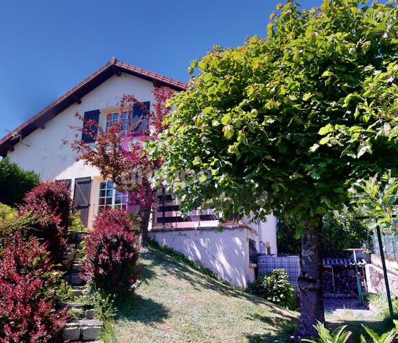 Vente Maison 5 pièces 136m² Saint-Just-Malmont (43240) - photo