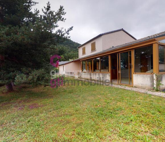 Vente Maison 6 pièces 123m² Saint-Hostien (43260) - photo