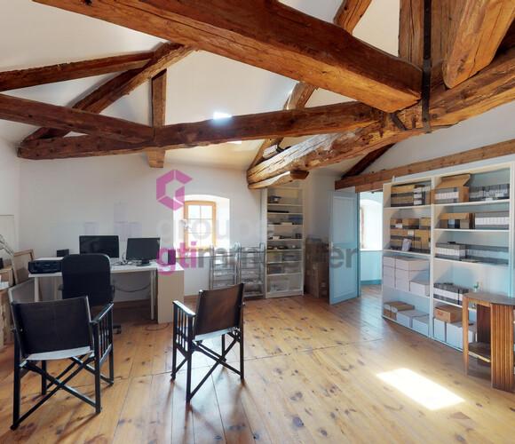 Vente Maison 9 pièces 200m² Saint-Amant-Roche-Savine (63890) - photo