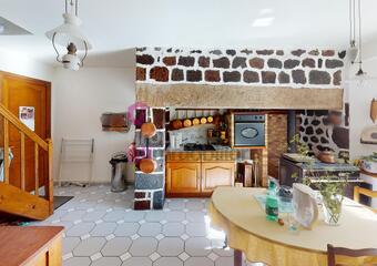 Vente Maison 4 pièces 123m² Le Monastier-sur-Gazeille (43150) - Photo 1